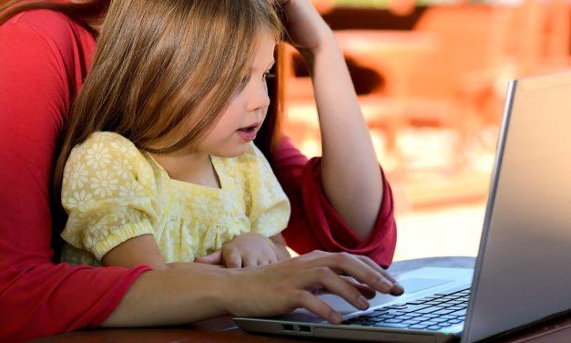 Gør forældrelivet nemmere med internettet