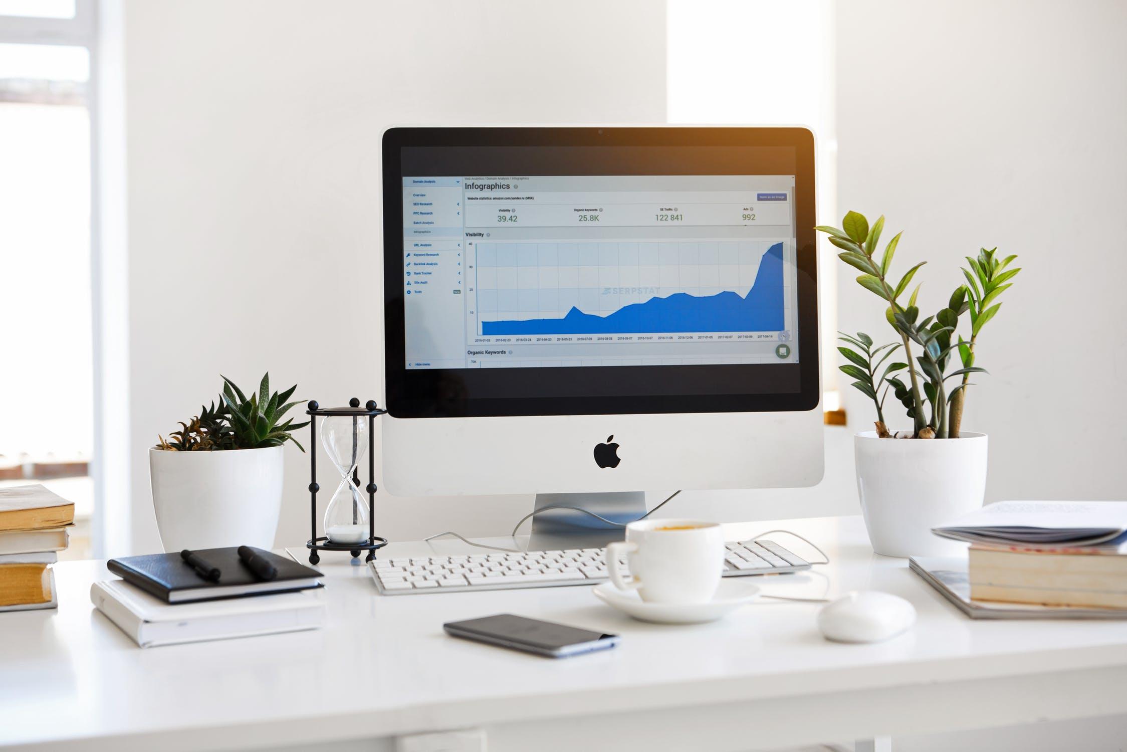 Computerskærm med graf