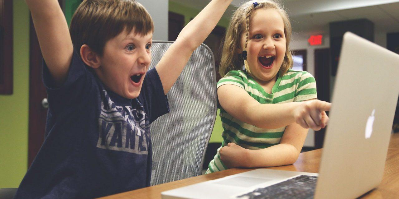 Sådan sikrer du, at dine børn bliver fortrolige med internettet