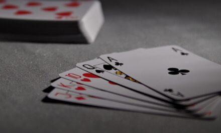 Sådan tjener du penge på poker og andre kortspil