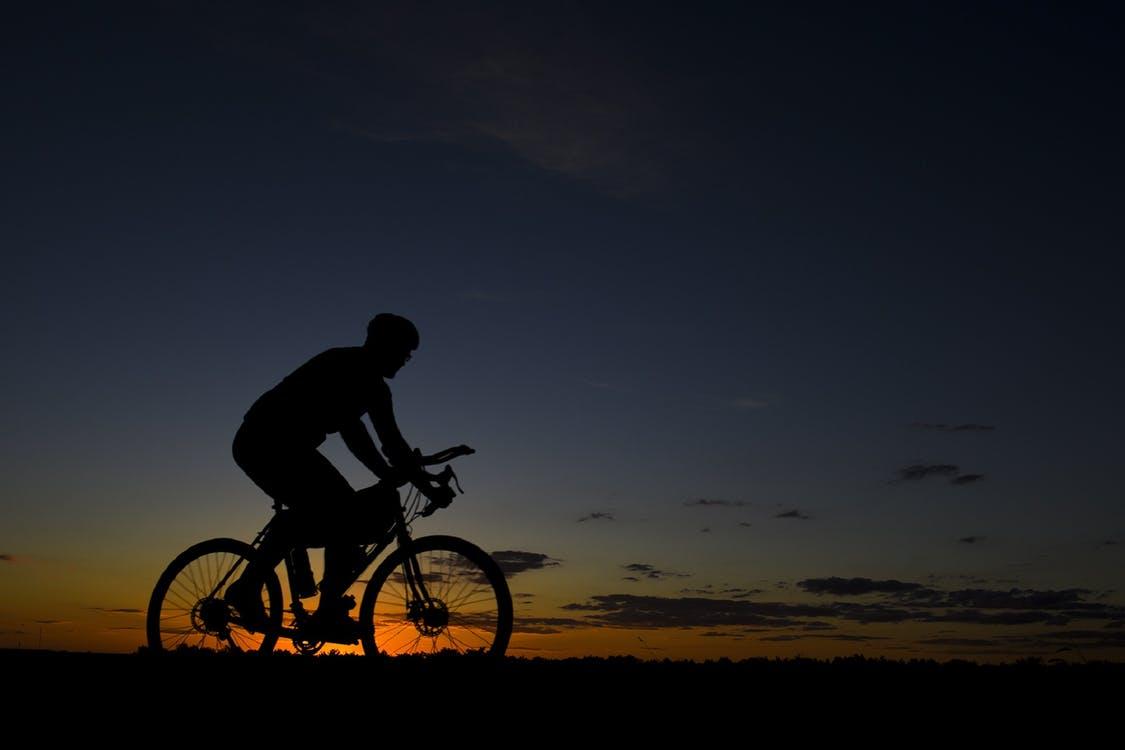 Cyklist om natten