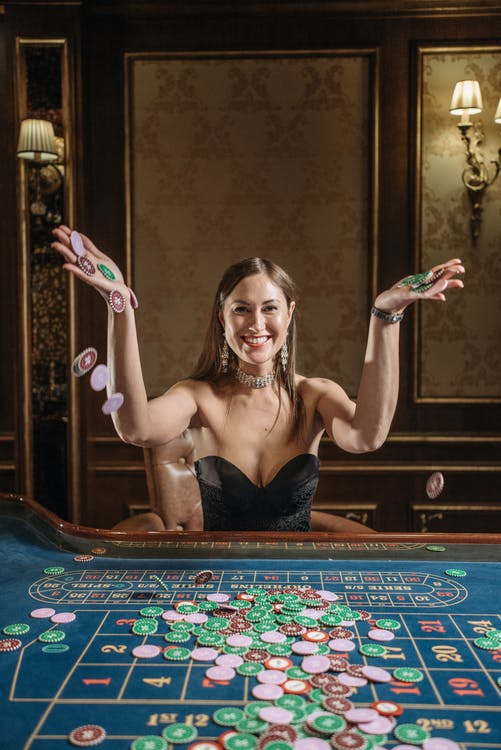 Kvinde på casino